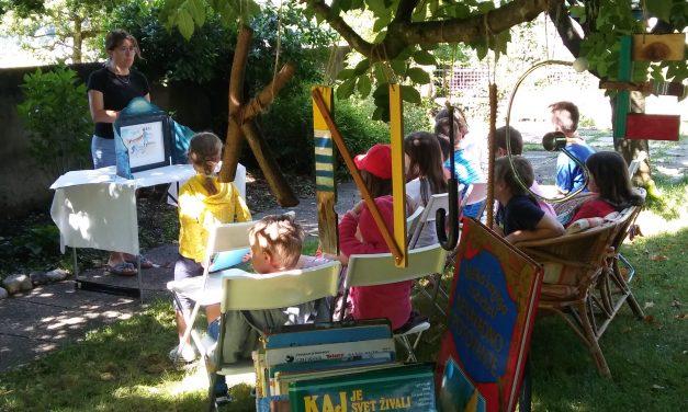 Igralnica in čitalnica v Kracah
